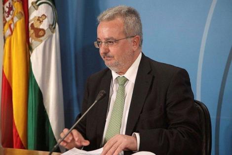 Antonio Fernández, cuando era consejero de Empleo de la Junta de Andalucía.   El Mundo