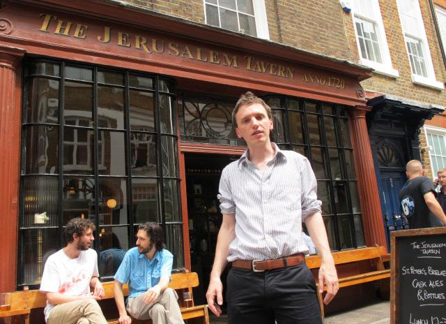 Tom Jones, en la Jerusalem Tavern de Londres. | C.F.