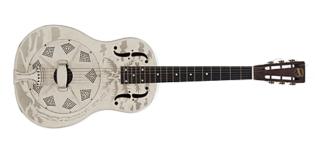 Guitarra que Elvis utilizó en 1950, antes de saltar a la fama. | Foto: Heritage Auction