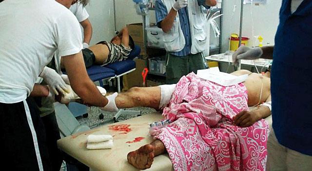 Médicos sin Fronteras atienden heridos en el hospital clandestino, en el norte del país. | Reuters