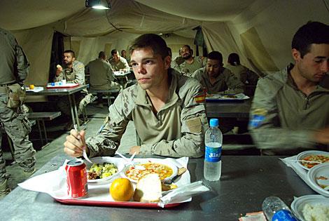 El comedor en el campamento de Ludina. | Mònica Bernabé
