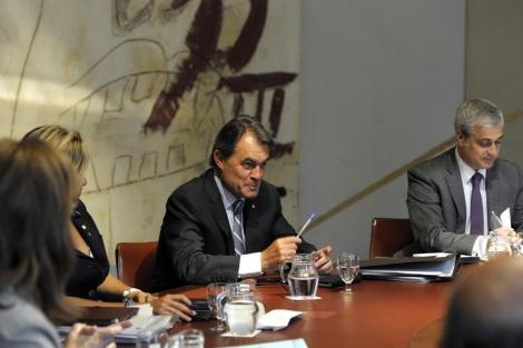 Mas preside la reunión del Govern. | Santi Cogolludo