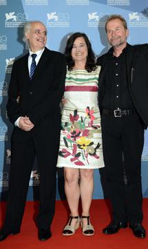 Ulrich Seidl, la actriz Maria Hofstaetter y actor Nabil Saleh. | Efe