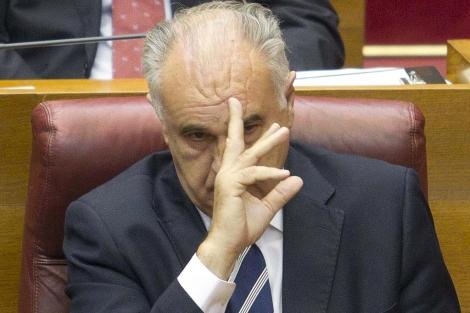 Rafael Blasco, en su escaño de las Cortes Valencianas. | Benito Pajares