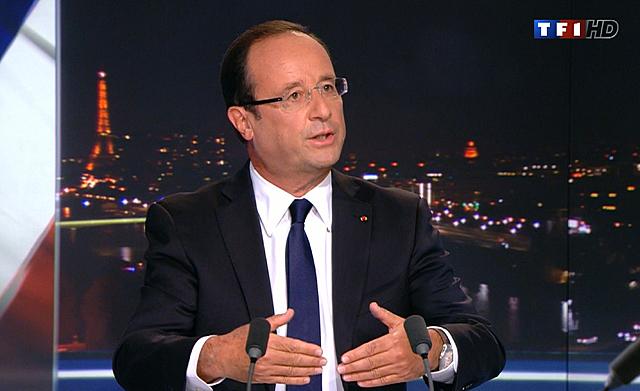 El presidente francés, anoche durante su entrevista en televisión.   Afp