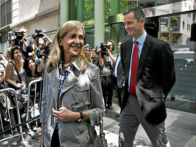 La Infanta Cristina e Iñaki Urdangarín, en una imagen de archivo. | Xavier Bertral / Efe