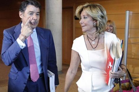 Ignacio González, junto a Esperanza Aguirre, en una imagen reciente. | Efe
