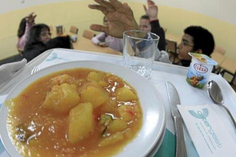 Imagen de un comedor escolar en el barrio de los Rosales. | E. M.