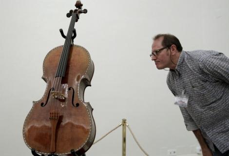 Imagen del Stradivarius restaurado. | Efe