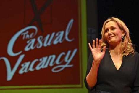 JK. Rowling en la presentación de 'The casual vacancy'.   Reuters