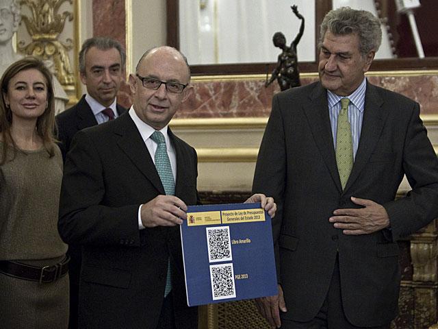 Montoro y Posada posan con los códigos QR de las Cuentas. | Alberto Di Lolli
