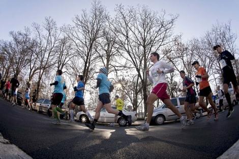 Corredores de maratón en el anillo verde de Vitoria. | E.M.