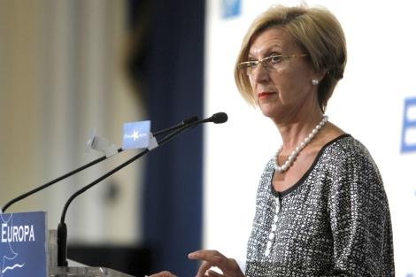 Rosa Díez durante su intervención en el desayuno informativo de Fórum Europa. | Fernando Alvarado