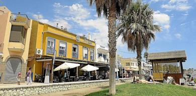 Viviendas en la barriada de Pedregalejo.   ELMUNDO.es