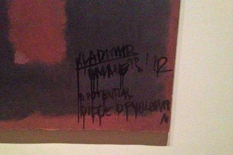 El destrozo en el lienzo de Rothko.   Foto: Tim Wright