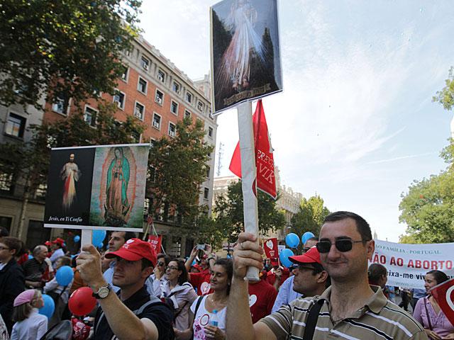 Manifestantes antiabortistas en Madrid.   Paco Toledo