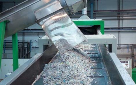 Planta de reciclaje de plásticos en Bilbao. | ECOEMBES
