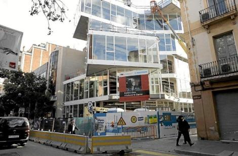 El edificio de El Carme, inaugurado pero todavía vacío. | Antonio Moreno