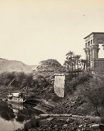 'El río Nilo con las ruinas de Philae al fondo y la dahabieh del fotógrafo' (1868-1869, Frank Mason Good)