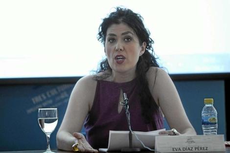 La periodista y escritora Eva Díaz Pérez. | ELMUNDO.es