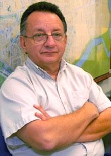Emilio Palacio.