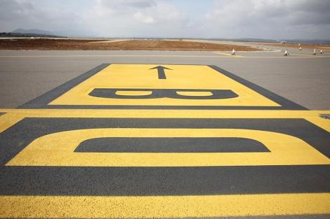 Detalle de la pista del aeropuerto de Castellón. | Eugenio Torres