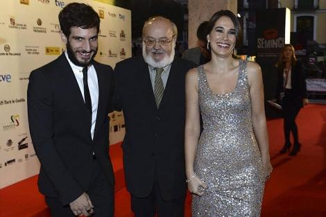 Cuerda, con los actores Quim Gutiérrez y Celia Freijeiro, ayer en Valladolid. | Efe