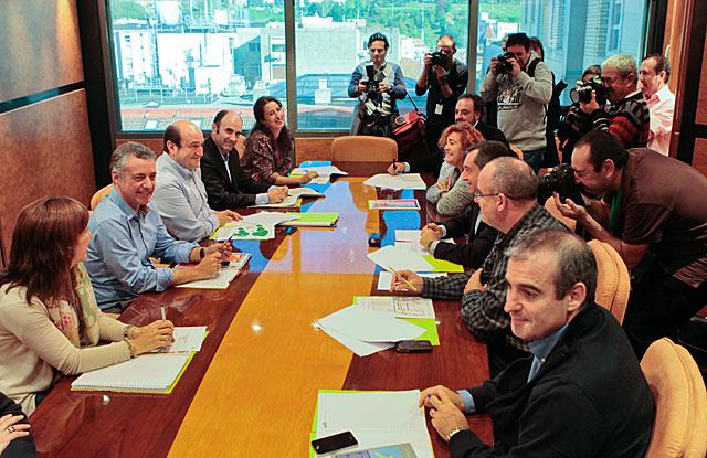 Urkullu preside la reunión del EBB para analizar los resultados electorales. | Justy García