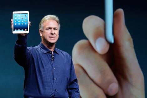 Schiller presenta el iPad Mini.| Afp