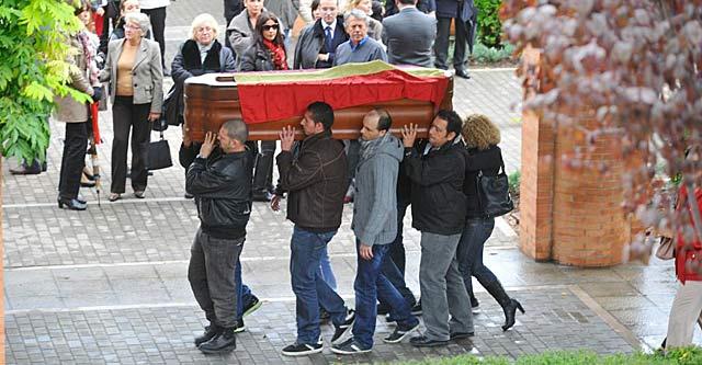 Entierro de hombre que se suicidó en Granada antes de ver su casa embargada. | Jesús García Hinchado