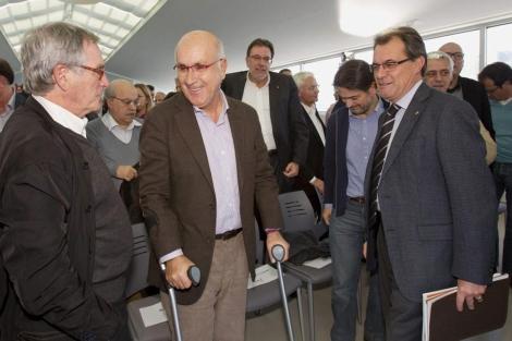 Mas y Duran Lleida hablan con el alcalde de Barcelona en el Moll de Llevant. | Efe