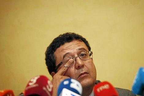 El juez Francisco Serrano, en la comparecencia en la que valoró la condena. | E. Lobato