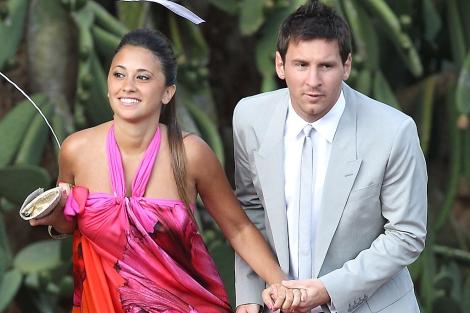Leo Messi y Antonella Roccuzzo, el pasado julio en la boda de Iniesta. | Gtres