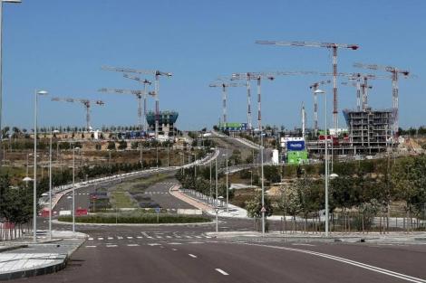Bloques de pisos en construcción en uno de los nuevos desarrollos de Madrid. | A. Heredia