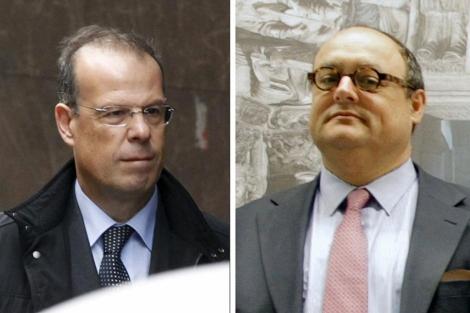 José Luis Pego (izq.) y Javier García de Paredes, ambos ex directivos de la caja. | Efe