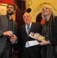Tomás con Boto y la alcaldesa de Cádiz. | C.Z.