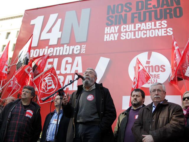 Los líderes de UGT, Cándido Méndez, y CCOO, Ignacio Fernández, ante el lema del 14-N. | Paco Toledo