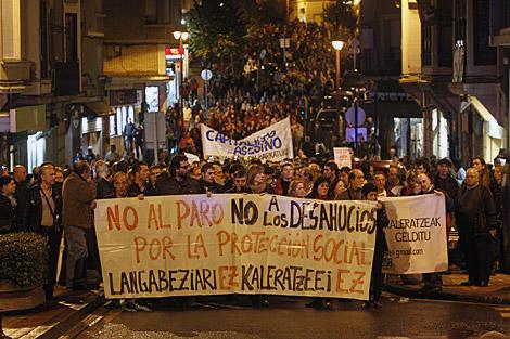 Marcha en Barakaldo en denuncia del suicidio de Amaia Egaña. | I. Andrés