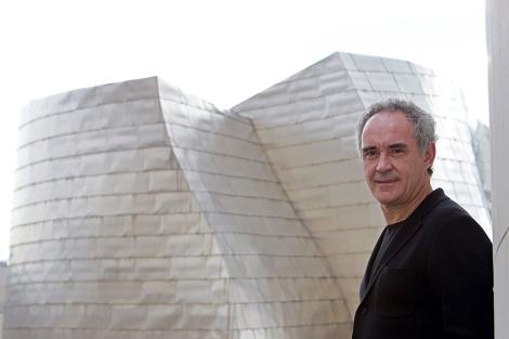 Ferran Adriá durante una entrevista en el Guggenheim.   Efe