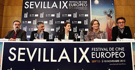 Lectura del palmarés del festival de cine de Sevilla. | A. Acedo | SEFF2012
