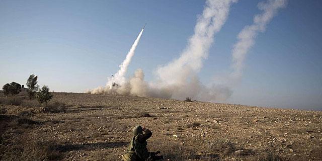 Lanzamiento de misiles israelíes como respuesta a los cohetes de Hamas desde Gaza. | Afp