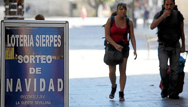 Anuncio de Lotería en Sevilla. | Esther Lobato