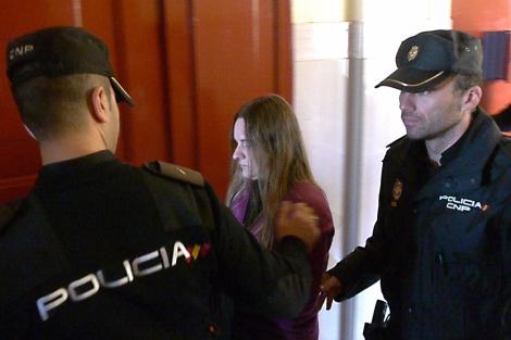 La acusada, a su llegada a la sala de vistas.   M. Cuevas