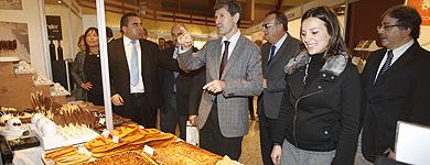El alcalde de Castellón, Alfonso Bataller, en la inauguración.   Eugenio Torres