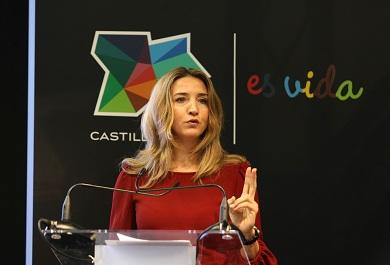 La consejera Alicia García, en Intur. / Ical