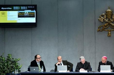 Presentación oficial de la cuenta de Twitter de Benedicto XVI. | Afp