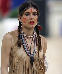 Carlota Casiraghi Hace El Indio Elmundoes - Disfraz-india-americana