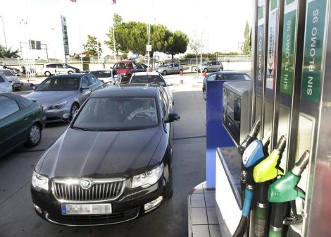 Gasolinera en Valladolid.   J. M. Lostau