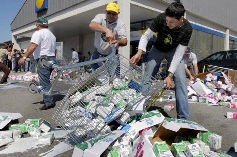 Protesta de ganaderos gallegos.   Lavandeira JR