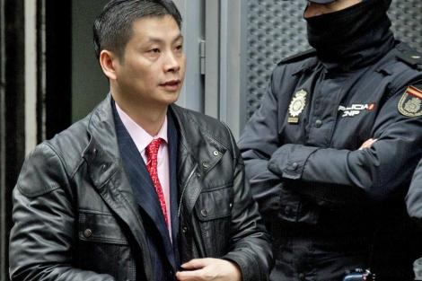 Gao Ping, este viernes, abandonando la Audiencia.   Foto: Afp